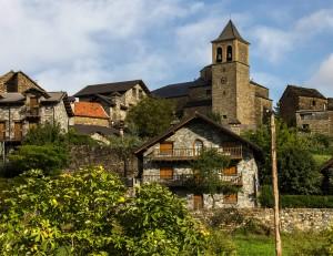 Torre de la iglesia de Aisa
